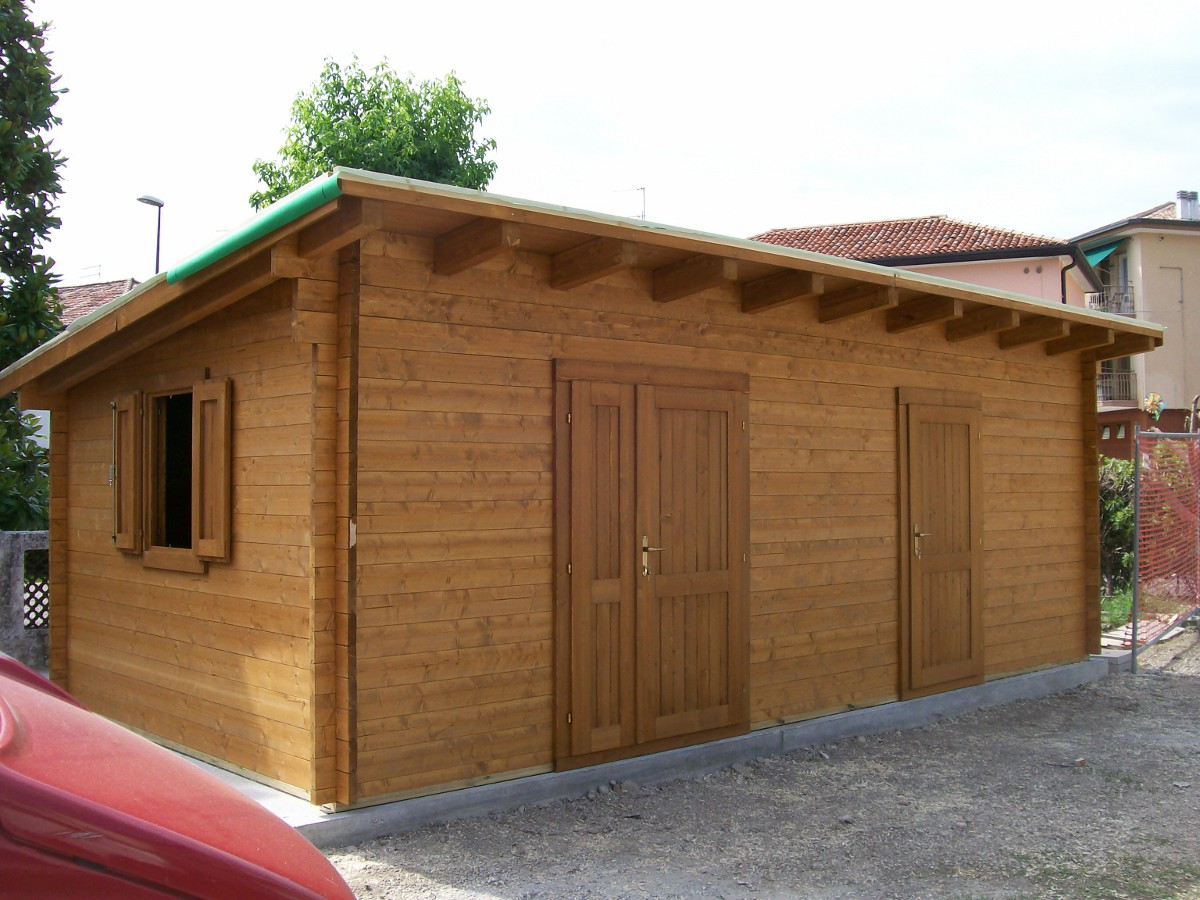 Garages a incastro for Garage di accesso laterale